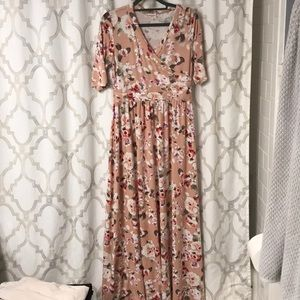 Dresses & Skirts - Peach maxi